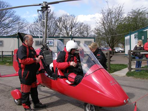 Photo of the day: The Gyrocopter Experience Team in Action